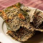 Meine größte kulinarische Entdeckung - frittierte Mekong Algen mit Honig, Orange und Sesam. Ein strahlender Stern am laotischen Gastrohimmel!