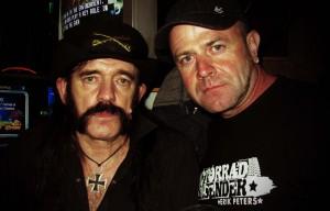 """Lemmy"" - im Rainbow Bar & Grill trifft man noch lebendeLegenden"