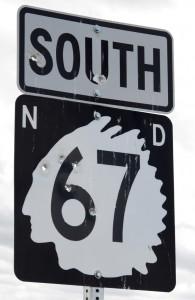 27.1. Straßenschild North Dakota